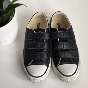 Converse -Black Leather Velcro Size Men 3 / Wo 5